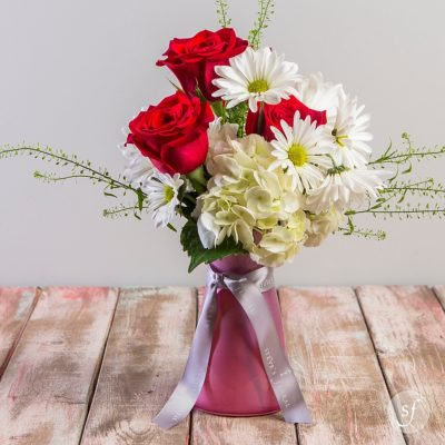 Forget Me Not is a sweetly petite Valentine's Day arrangement. Perfect for a first time Valentine.