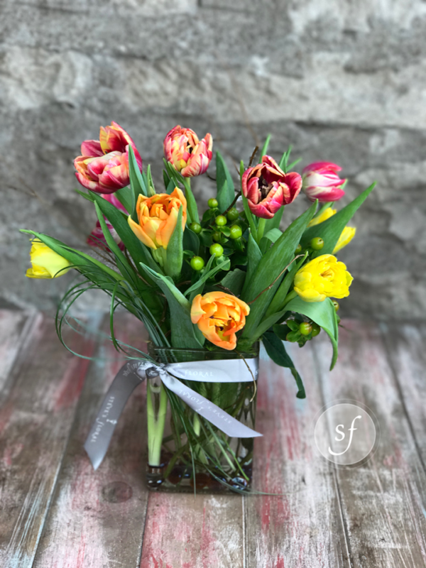 https://www.stevesfloral.net/product/spring/